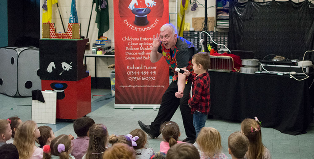 Children's entertainer in Berkshire